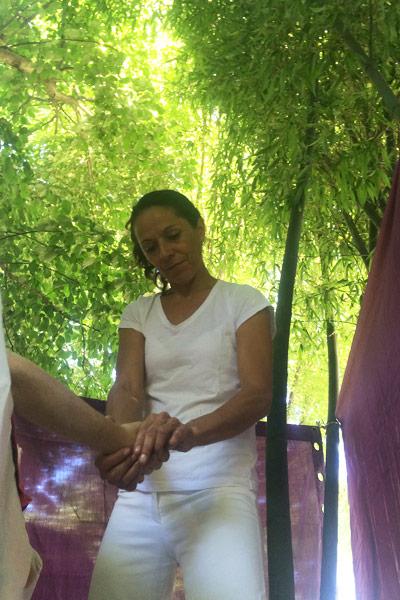 massage de la main
