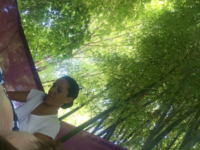 masseuse sous les bambous
